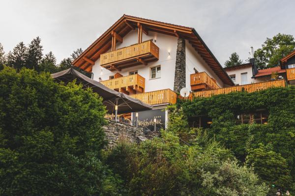 hotel-freiluftlounge-024D22E263-580E-5DE8-296B-E5169E0F6008.jpg