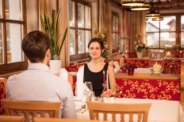 hotel-restaurant-1B3D4D421-1145-39BB-D611-4B184B1A3923.jpg
